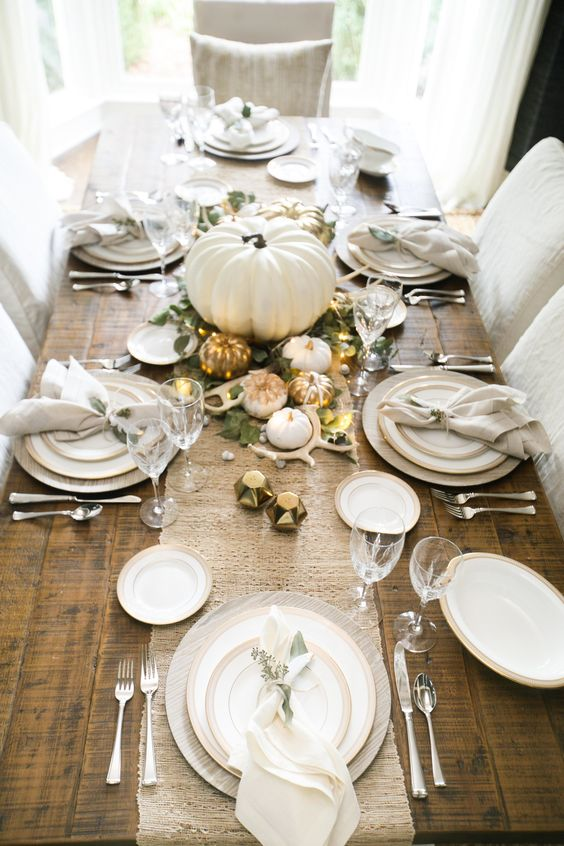 Living with Landyn Lindsey Grace Photography Thanksgiving Tablescape